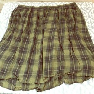 Old Navy plus size pull on skirt plaid